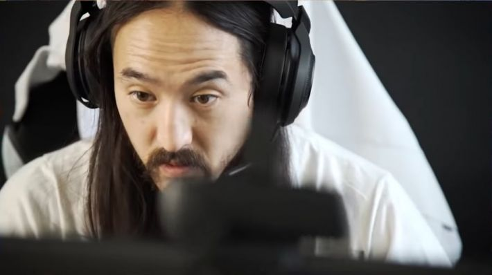 steve aoki playing overwatch